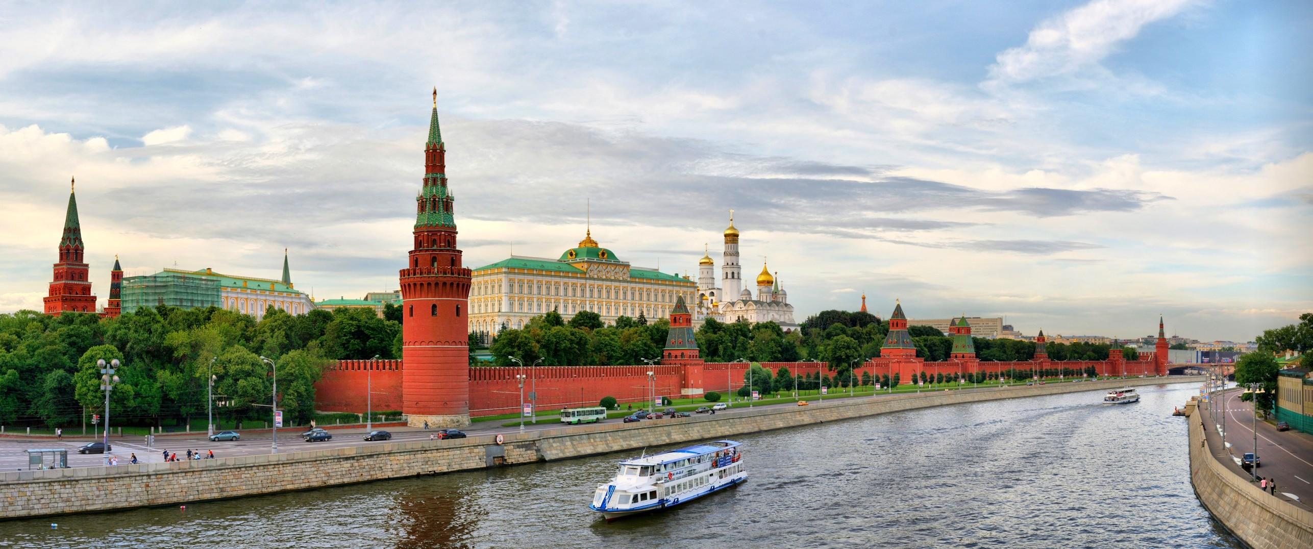 Moscow-photo-Vladimir-Fofanov-sxc-hu-e1341297054443